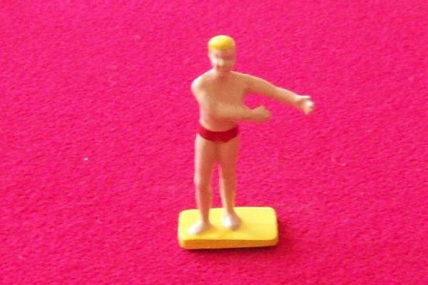 CORGI TOYS 485 Mini Countryman plastic surfer figure
